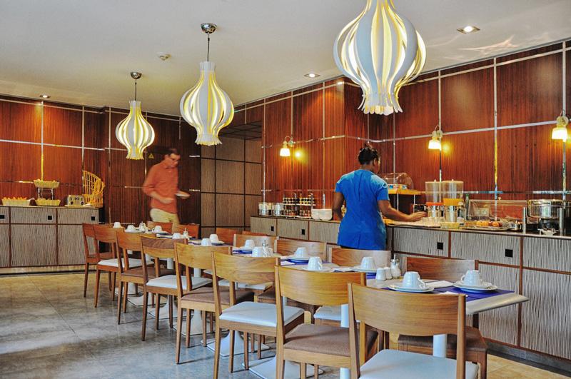 Paris hotel Les Jardins d'Eiffel reviews by White Caviar Life.