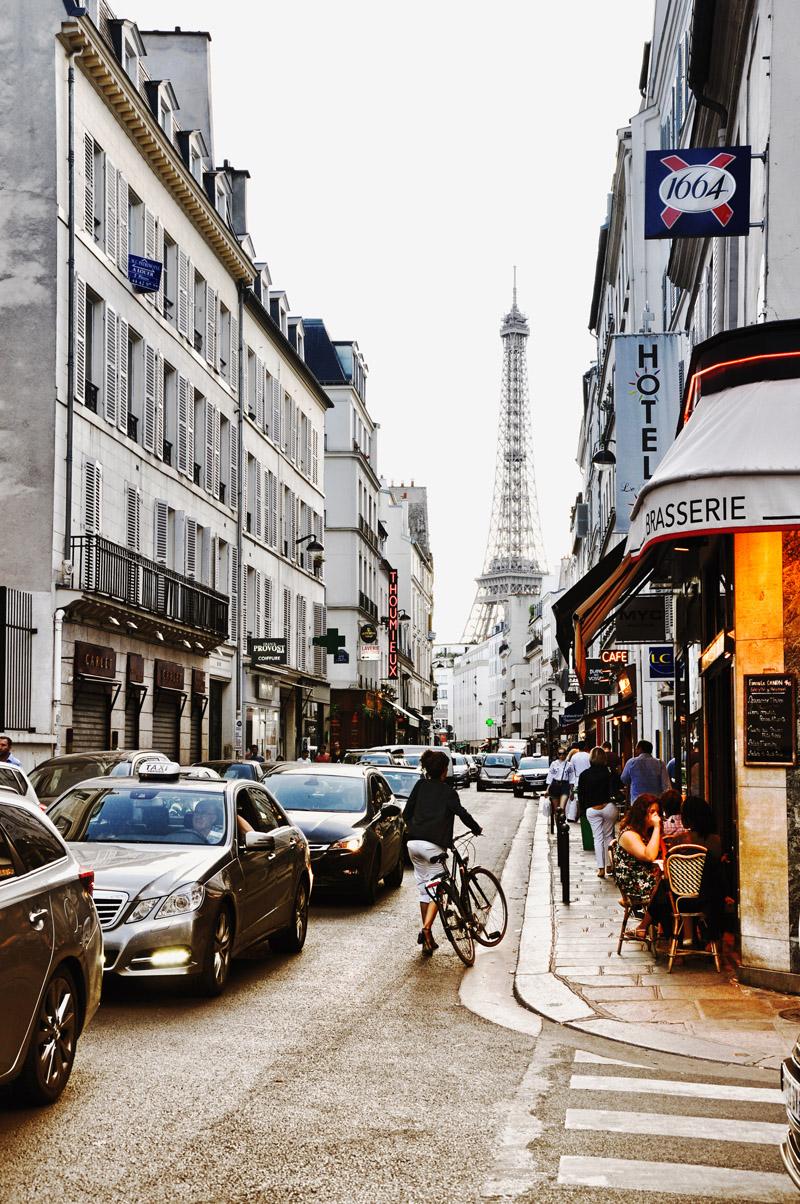 Rue Saint Dominique, Paris.