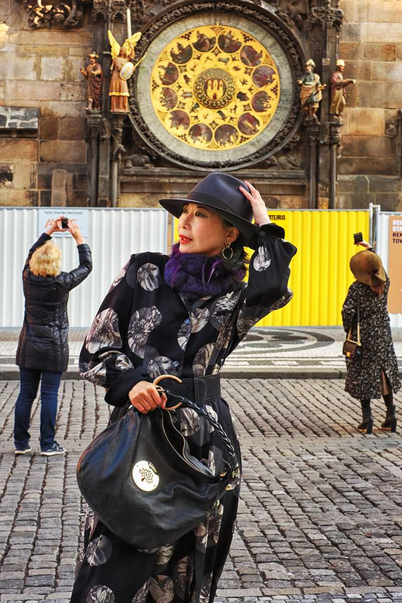 White Caviar Life Prague fashion story took place in front of the Prague astronomical clock.