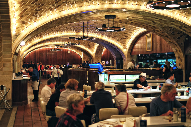 Lunch at the Grand Central Oyster Bar & Restaurant, NYC.