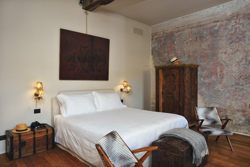 Palazzo Albricci Peregrini luxury Bed and Breakfast review by White Caviar Life.