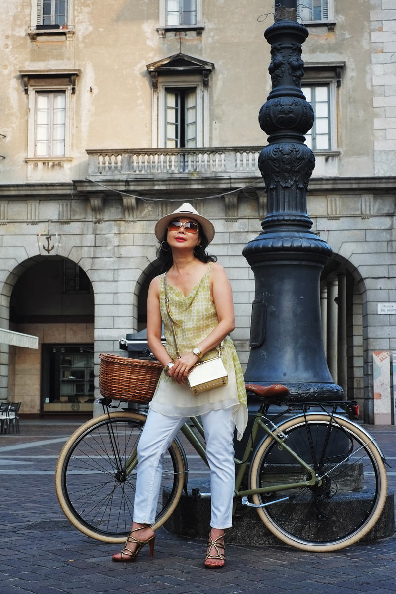 'The Girl with Her Vintage Bike' - Como cycling street style.