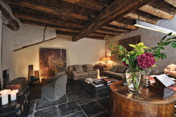 Palazzo Albricci Peregrini hotel reviews by White Caviar Life.