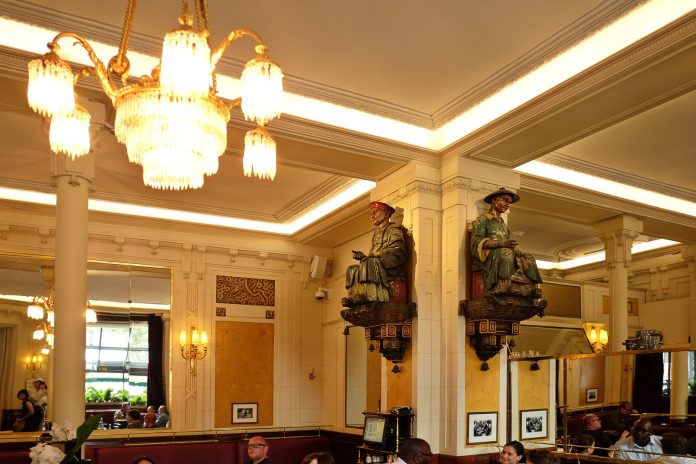Les Deux Magots reviews by White Caviar Life.