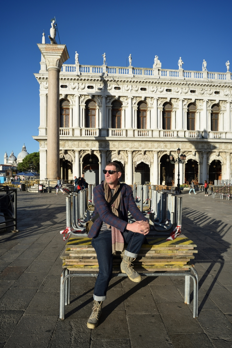 How to avoid the crowd at the Piazza San Marco? Venice travel tips by White Caviar Life.