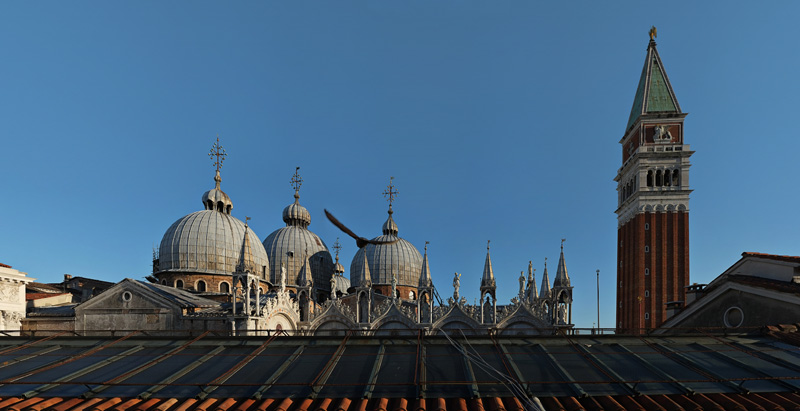 Where to stay near St Mark's Square? Relais Piazza San Marco reviews by White Caviar Life.